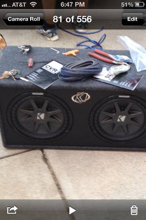 2 12 inch kicker subwoofers and 1000 wat $950 obo - $950
