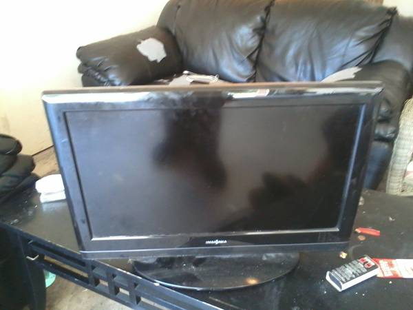 insignia 26 inch flat screen tv with built in DVD player - $50 (killeen )