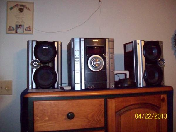 SONY home stereo - $80 (TempleTroy)