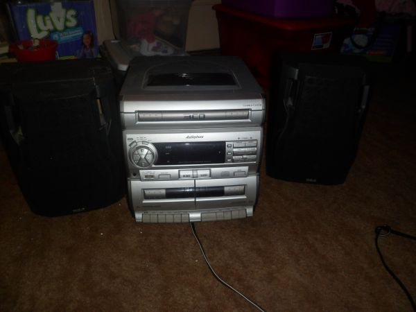 3 disc cd player - $25 (killeen)
