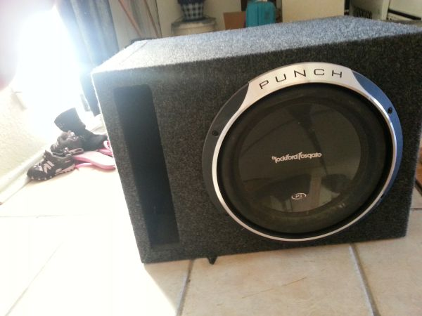 Rockford Fosgate Subwoofer P3 12 sub in Ported BOX - $75 (Killeen)