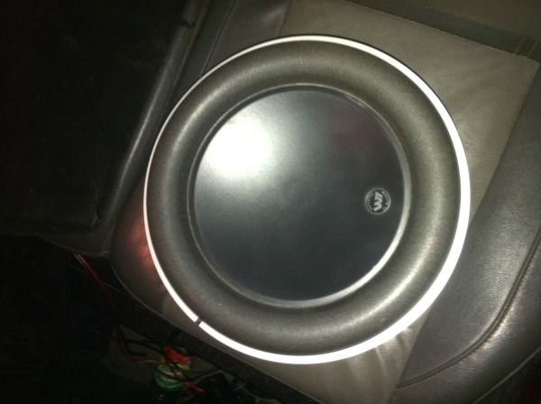 JL AUDIO w7 10 inch like new - $220 (Killeen harker heights temple)