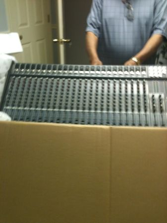 Peavey Unity 2002-24RQ 24-Channel Mixer - $500 (Temple, Texas)