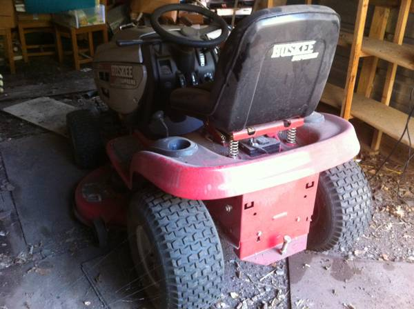 Huskee Supreme Riding Lawn Tractor Mower - 18.5HP 42 cut - $200 (Belton)