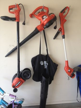 Black and Decker EdgerTrencher and Weed Eater - $1 (Killeen)