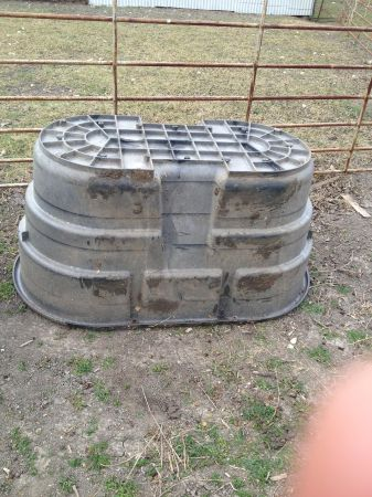 Rubbermaid Water Troughs (Temple)