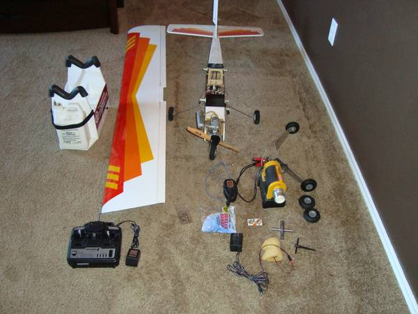R C airplane Hobbico Avistar  40 Trainer Complete Set -   x0024 280  Killeen