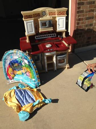 Moving out garage sale (Killeen TX)