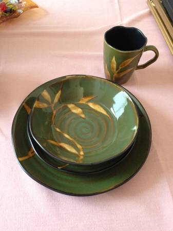 Pier 1 Dishes - $60 (Harker Heights)