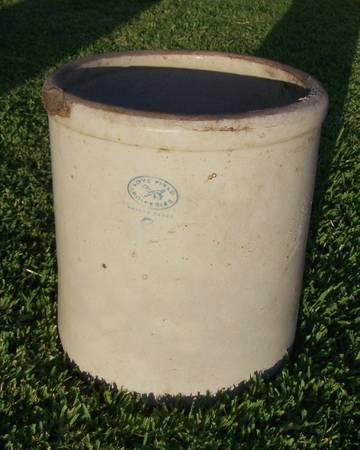 Old Antique Crock - Large 6 Gallon - Love Field - $30 (SaladoBelton)