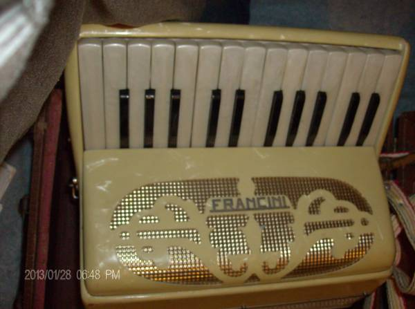 Vintage Francini Accordion wcase - $100obo
