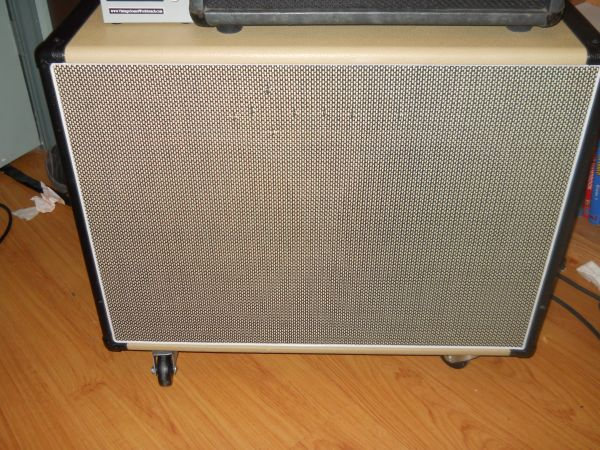 Egnater 2X12 Tourmaster cab w WGS speakers - $350 (Killeen)