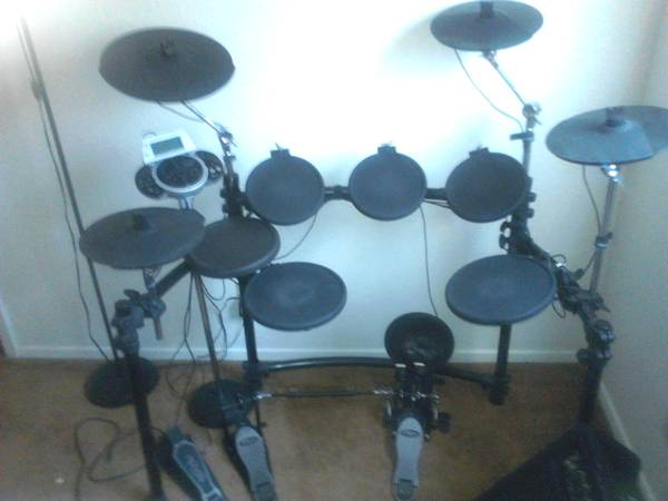REDUCED SIMMONS SD9K ELECTRONIC DRUM SET - $500 (KILLEEN)