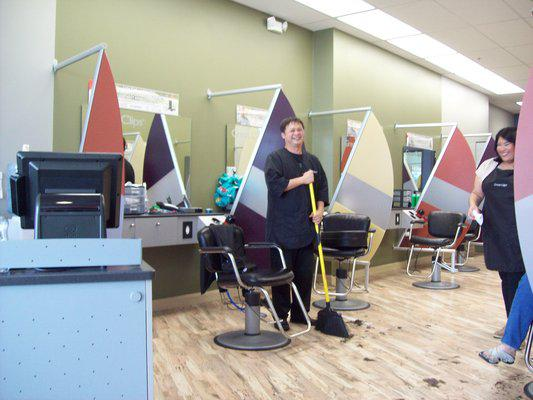 400 Sign-On Bonus for New Stylists and Managers