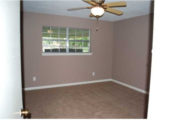 $1685  4br - 1700ftsup2 - spacious 4 bedroom house for rent