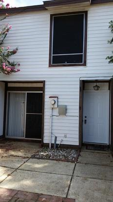 825  2br  This 1100 square foot townhouse home has 2 bedrooms and 1 5 bathrooms  It is located at 11 Morning G