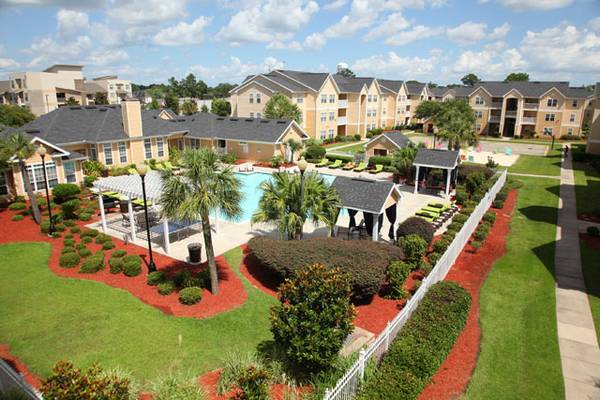 - $455 1189ftsup2 - CAMPUS CROSSINGS APTS (200 Theater Street)