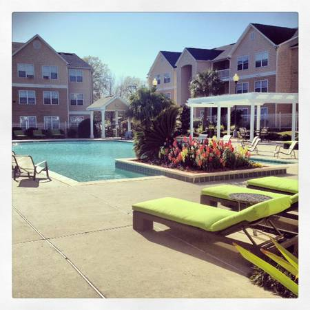 - $455 1189ftsup2 - APTS FOR RENT CAMPUS CROSSINGS (200 Theater St)