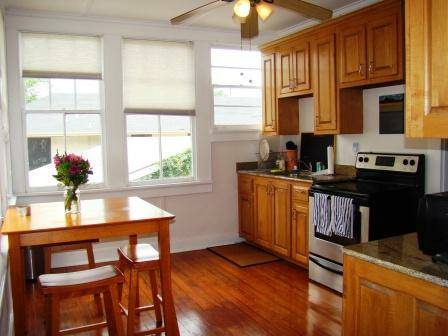 -  2295   2br - 2720 Magazine St- Furnished Corporate 2 Bedroom Unit  Garden Lower Garden District