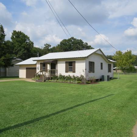 - $83000 2br - 1100ftsup2 - Super Cute South Side, Quiet Neighborhood (Opelousas)