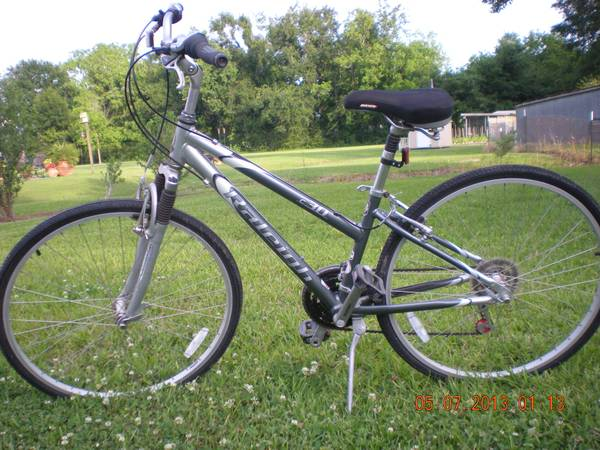 Raleigh c30 cross sport bicycle - $155 (Lafayette)