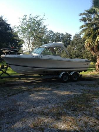 20 ft Wellcraft inboardoutboard - $5500