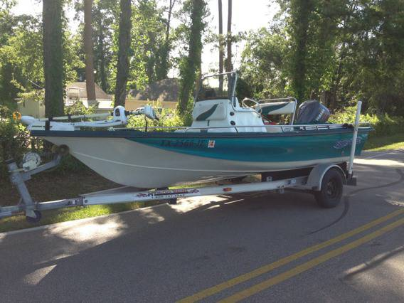 2000 Blue Wave 19 Center Console Bay Boat - $7500 (Houston)
