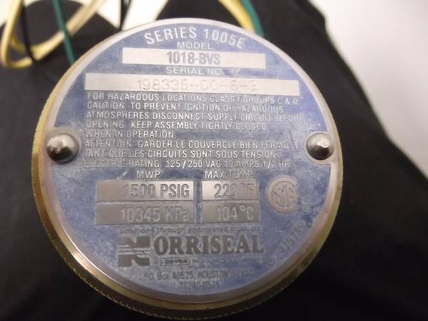2 Norriseal Controls Electric Liquid Level Switches Model 1018-BVS (lafayette)