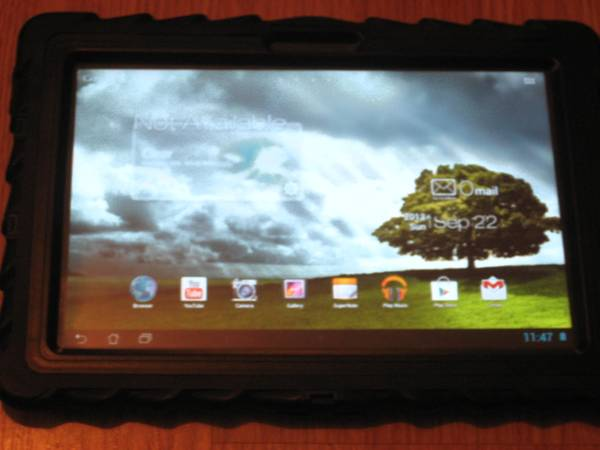 asus tf300 32g tablet with gumdrop case - $350 (lafayette)