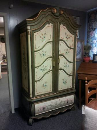 BEAUTIFUL PAINTED TV ARMOIRE - $445 (ROOSTERS ANTIQUE MARKET)