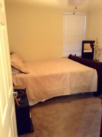 Ashley furniture Queen Sized Sleigh bed - $1 (Maurice)