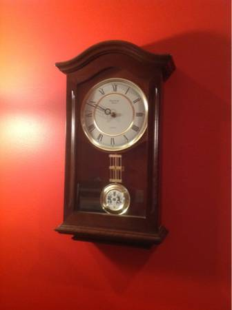 Strausbourg Manor Quartz Wall Clock w Pendulum - $10 (Youngsville)