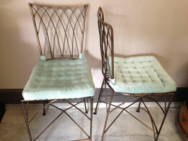 Pier One Metal Bar Stools For Sale