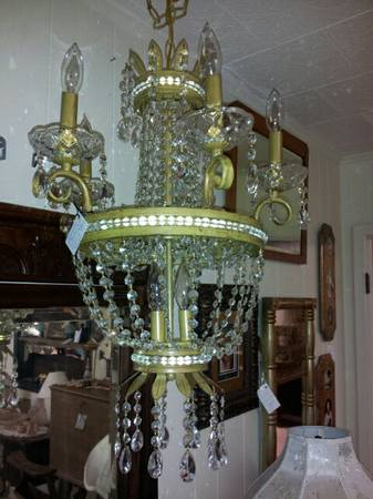 BEAUTIFUL CRYSTAL DRSPING CHANDELIER - $325 (ROOSTERS ANTIQUE MARKET)