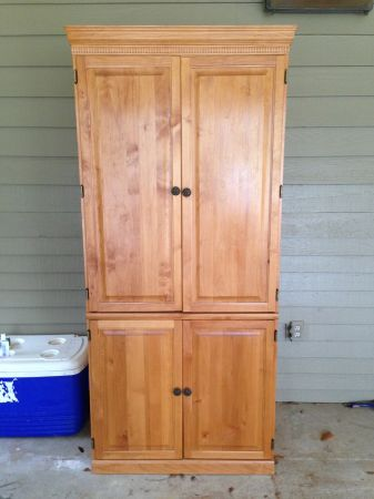 Solid Oak Computer Entertainment Armoire - $250 (New Iberia)
