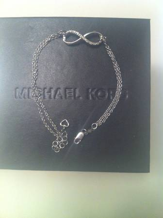 KAY infinity dimond braclet for sale  -   x0024 100  lafayette