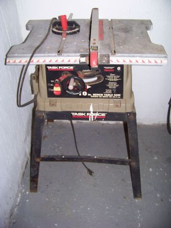 TASK FORCE TABLE SAW AND STAND - $75 (EUNICE LA)