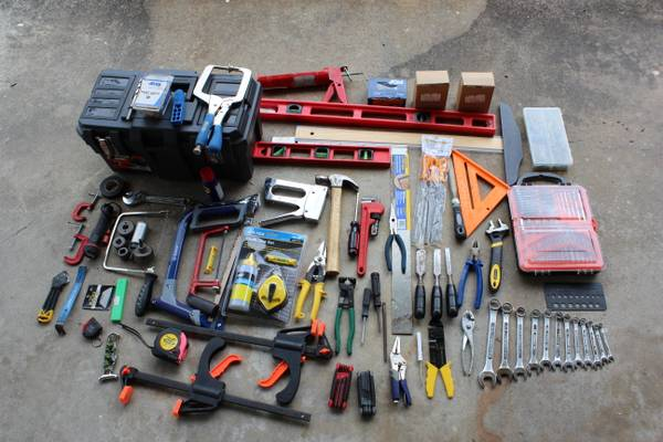 LOTS OF POWER TOOLS - $1 (Behind Acadian Mall)