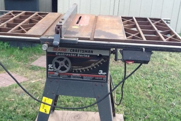 Craftsman contractor grade 10 3hp table saw. Extended table - $250 (Lafayette la.)