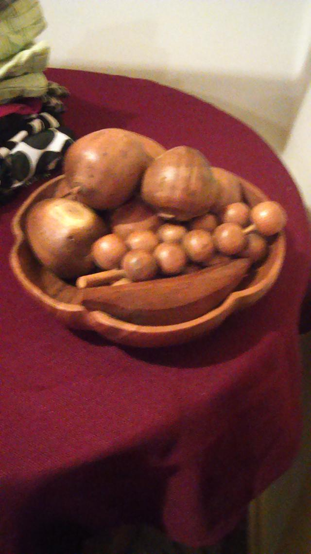 25  Hand Carved Wooden Fruitbowl