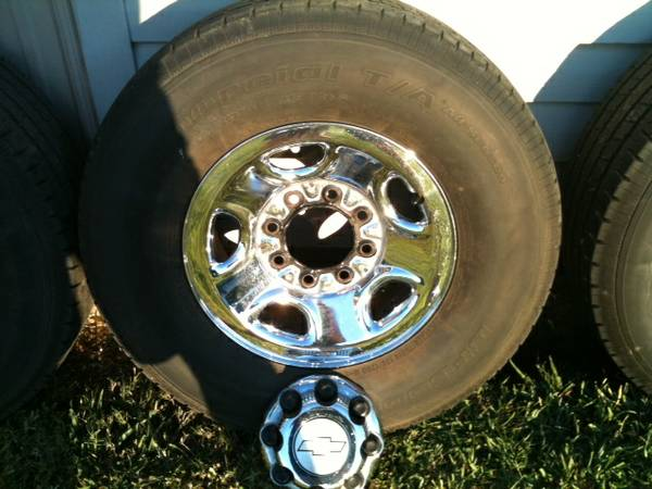 8 LUG CHEVROLET GM STEELCHROME 16 RIMS  TIRES - $600 (LAWTELL, LA)