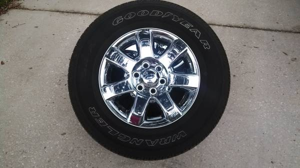 2013 F150 OEM 18 factory wheels tires only 2400 miles. - $800 (Sunset, LA)
