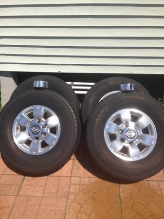 Factory Rims Nissan Frontier - $400 (Abbeville )