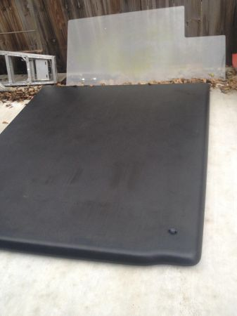 F250 bed cover(undercover brand) - $200 (Broussard,la)