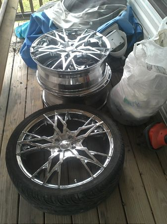 4 20 inch chrome rims 4 lug - $550 (sunset)