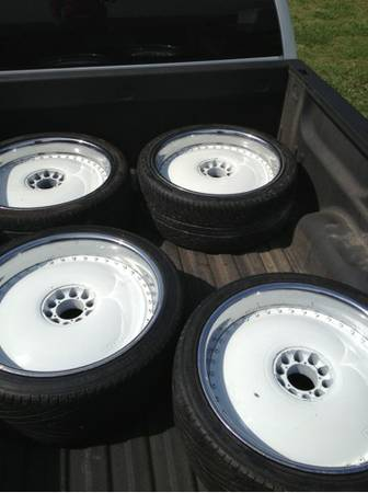 22 Dub floaters - $1700 (New Iberia)