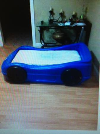 little tikes blue race car bed - $100 (breaux bridge)