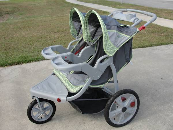Instep Safari Double Jogging Stroller -- Like NEW - $100