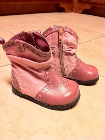 Baby Girl Cowboy boots, Gap Boots, Baby Girl TOMS - $5 (Carencro)