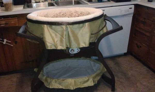 Fisher Price Zen Collection swing bassinet - $325 (Lafayette )